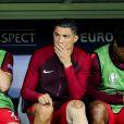 Cristiano Ronaldo sur le banc avec ses coéquipiers lors du match de la finale de l'Euro 2016 Portugal-France au Stade de France à Saint-Denis, France, le 10 juillet 2016. © Cyril Moreau/Bestimage