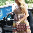 Blake Lively (robe Valentin) enceinte, se promène à Tribeca, New York, le 13 juillet 2016. © CPA/Bestimage