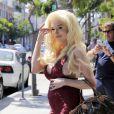 Courtney Stodden, enceinte, et Plastic Martyr font du shopping à Beverly Hills le 7 juillet 2016