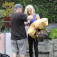 Exclusif - Courtney Stodden et son mari Doug Hutchison déménagent à Los Angeles le 1er juillet 2015.