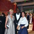 Maïtena Biraben, Omar Sy et sa femme Hélène - 68ème gala de la Croix-Rouge monégasque dans la salle des Etoiles du Sporting Monte-Carlo à Monaco, le 23 juillet 2016. © Bruno Bebert/Bestimage
