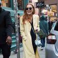 Lindsay Lohan porte toujours sa bague qui alimente les rumeurs de fiancailles avec son compagnon Egor Tarabasov à New York le 13 avril 2016.