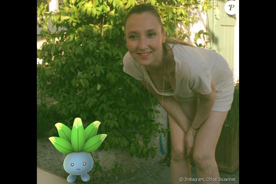 Audrey Lamy pose avec un charmant Pokémon pour sa nièce Chloé Jouannet. Photo postée sur Instagram, le 27 juillet 2016.