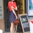 """Stacy Martin - Tournage du film de Michel Hazanavicius """"Le Redoutable"""" à Paris le 27 juillet 2016."""