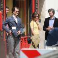 """Louis Garrel, Bérénice Bejo, Micha Lescot - Tournage du film de Michel Hazanavicius """"Le Redoutable"""" à Paris le 27 juillet 2016."""