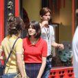 """Bérénice Bejo, Stacy Martin - Tournage du film de Michel Hazanavicius """"Le Redoutable"""" à Paris le 27 juillet 2016.27/07/2016 -"""