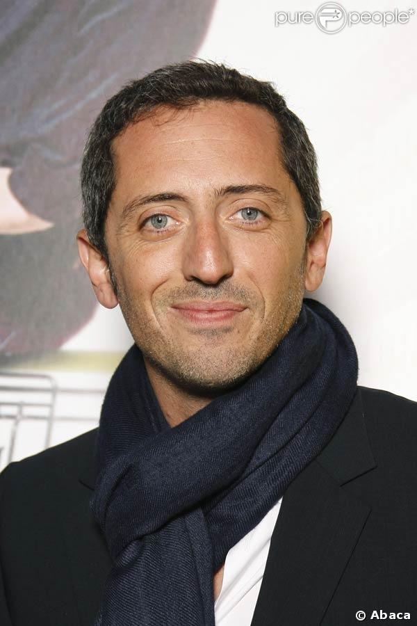 The 46-year old son of father David Elmaleh and mother Régine Elmaleh, 177 cm tall Gad Elmaleh in 2017 photo