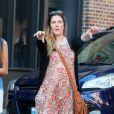 Drew Barrymore et une amie se promènent à Hollywood le 4 avril 2016.