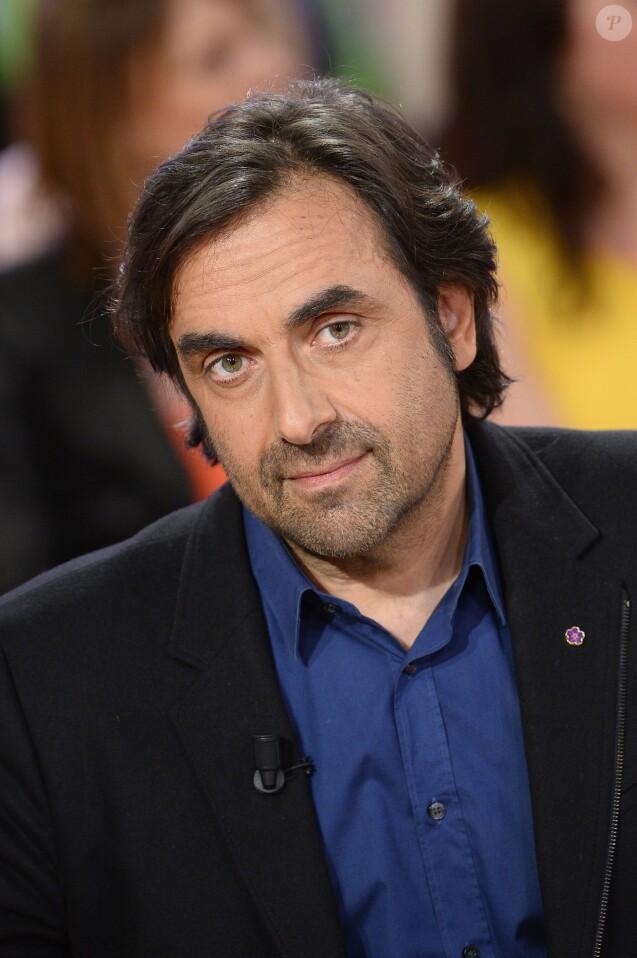 """André Manoukian - Enregistrement de l'émission """"Vivement Dimanche"""" à Paris le 20 mai 2015."""
