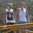 Justin Bieber et Sofia Richie se baladent ensemble sur les hauteurs de Hollywood. Les deux jeunes gens étaient plus complices que jamais, se tenant de temps en temps par la main, comme un vrai couple. Alors sont-ils amis ou amants ? Ils semblent que quelque chose de sérieux se passe entre eux d'autant que Sofia Richie est sortie de chez Justin Bieber vêtue d'un...pyjama. Le 10 août 2016