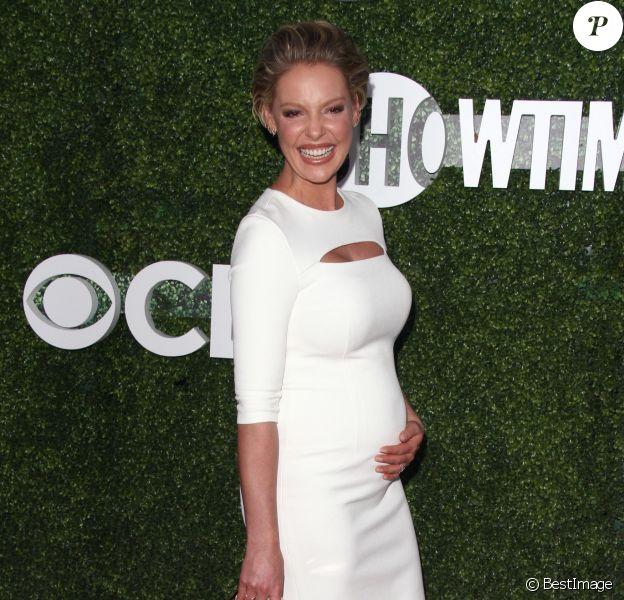 """Katherine Heigl, enceinte, assiste à la soirée """"CBS Television Studios Summer"""" au Pacific Design Center à West Hollywood. Le 10 août 2016."""