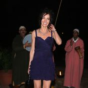 REPORTAGE PHOTOS : Anne Parillaud, super sexy en mini robe, s'éclate en célibataire...