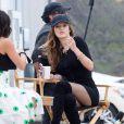 Bella Thorne, très sexy, sur le tournage du film 'You Get Me' à Los Angeles, le 11 mai 2016