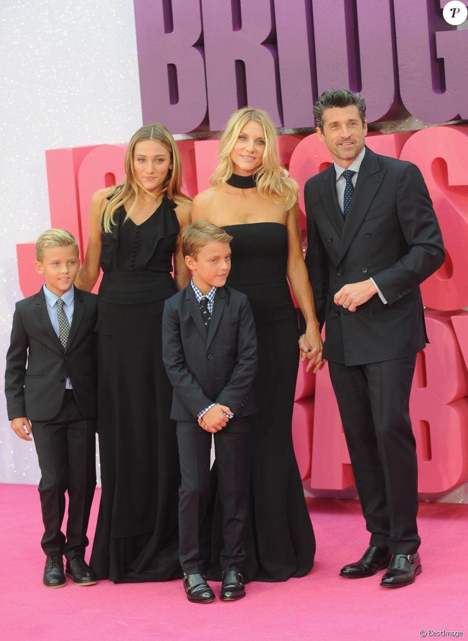 """Patrick Dempsey, sa femme Jillian Dempsey et leurs enfants Darby Galen Dempsey, Tallula Fyfe Dempsey et Sullivan Patrick Dempsey - Avant-première mondiale du film """"Bridget Jones's Baby"""" au cinéma Odeon Leicester Square à Londres, Royaume Uni, le 5 septembre 2016."""