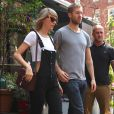 Taylor Swift et son petit-ami Calvin Harris sortent d'un restaurant à New York, le 28 mai 2015.