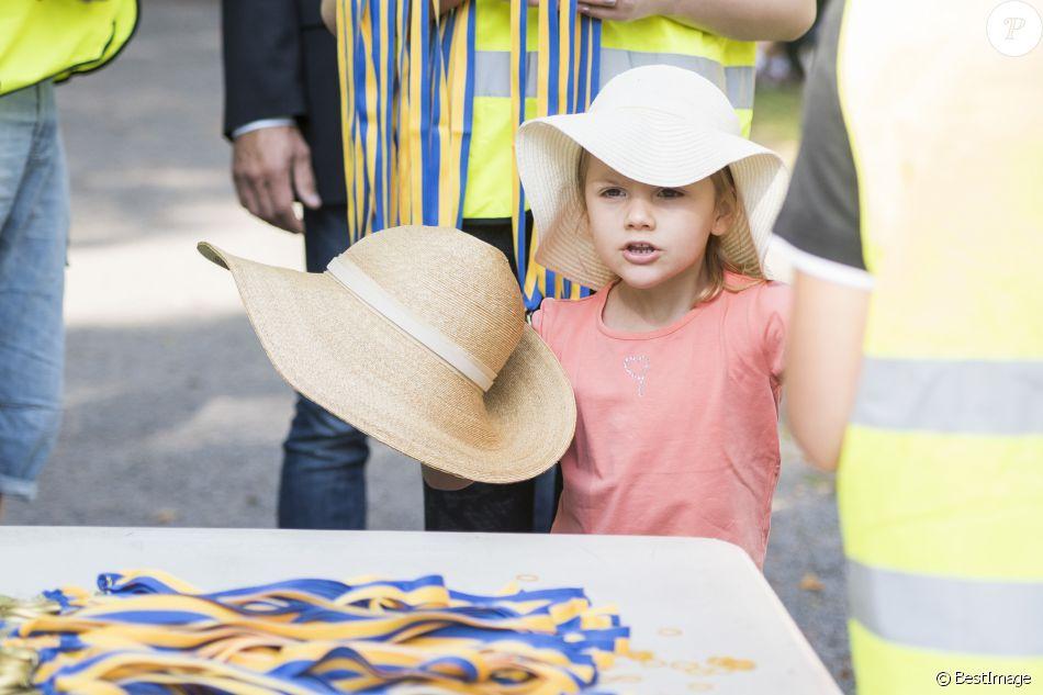 2625900-la-princesse-estelle-passion-chapeaux-950x0-3.jpg