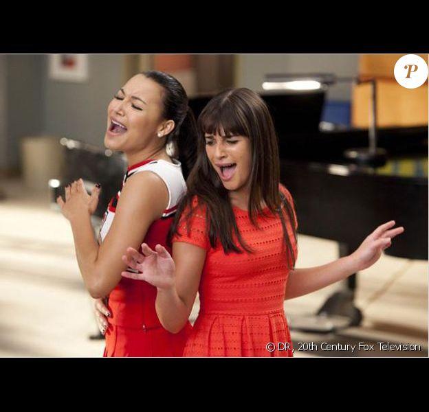 Naya Rivera et Lea Michele dans Glee.