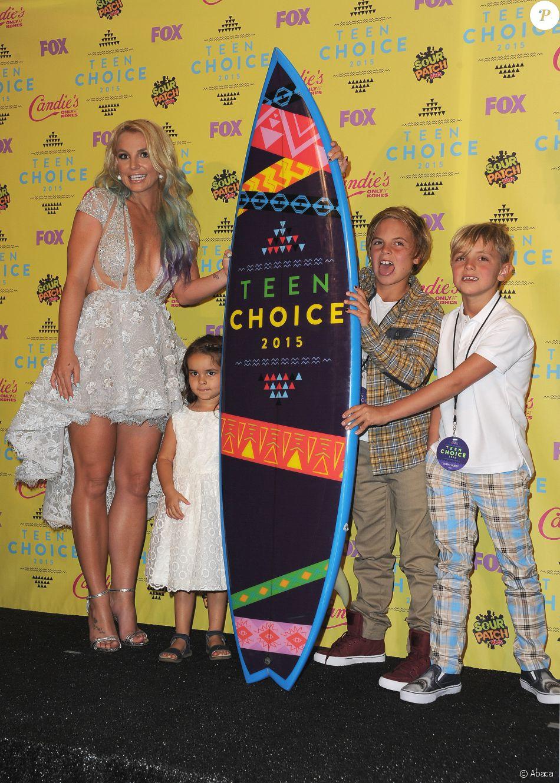 Britney Spears et ses fils aux Teen Choice Awards le 16 août 2015 à Los Angeles