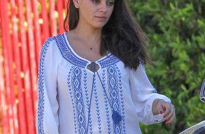 Mila Kunis : Décontractée et radieuse, elle affiche son joli ventre rond