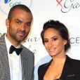 """Tony Parker et sa femme Axelle au gala """"Par Coeur"""" pour les 10 ans de l'association """"Cekedubonheur"""" au pavillon d'Armenonville à Paris, le 24 septembre 2015."""
