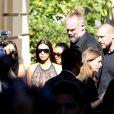 Kim Kardashian, sa soeur Kourtney, leur mère Kris Jenner et son compagnon Corey Gamble arrivent à l'hôtel Potocki pour assister au défilé Balmain. Paris, le 29 septembre 2016.
