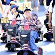 Hugh Hefner et sa femme Crystal a Disneyland en Californie le 6 septembre 2013.