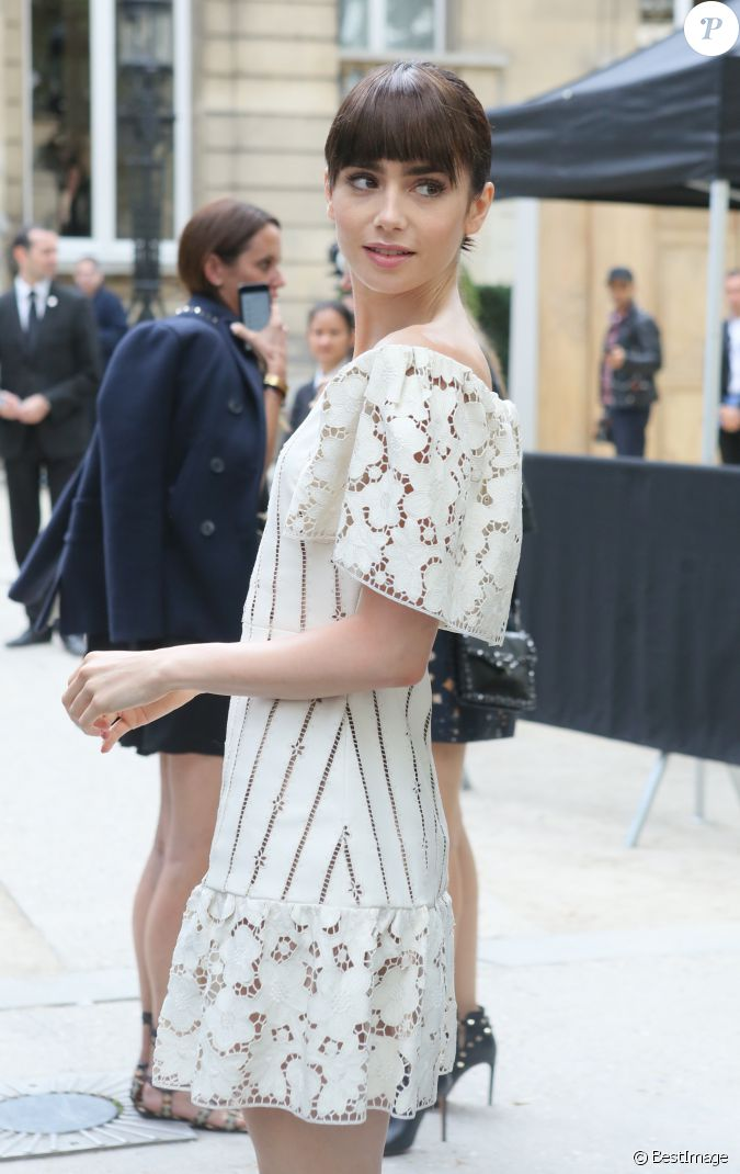 Lily collins arrivant au d fil de mode valentino for Pret a porter uk