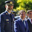 Le roi Felipe VI d'Espagne en visite au 14e régiment de l'Armée de l'air à la base aérienne d'Albiceleste le 10 octobre 2016.