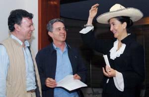 PHOTOS : Ingrid Betancourt a piqué le chapeau de Pépito !