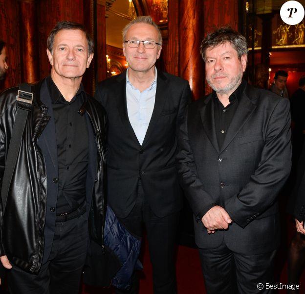 """Francis Huster, Laurent Ruquier et Régis Laspalès - Générale de la pièce """"À droite, à gauche"""" au Théâtre des Variétés à Paris le 12 octobre 2016. © Coadic Guirec/Bestimage"""