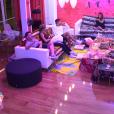 """Anaïs et Fanny choquées par le comportement de Mélanie avec Darko dans """"Secret Story 10"""". Le 16 octobre 2016."""