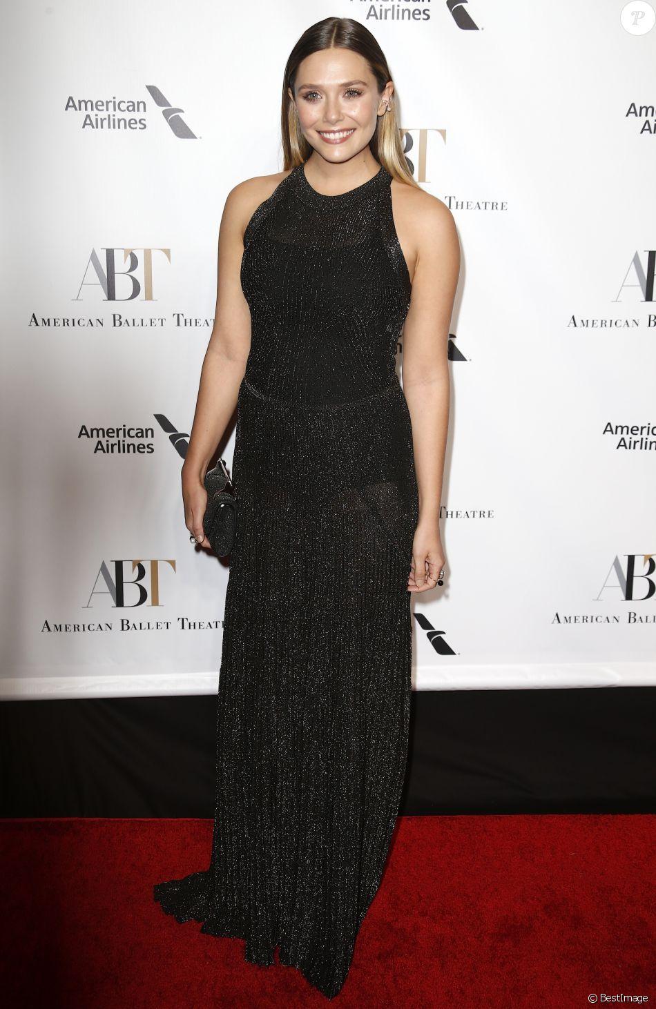 """Elizabeth Olsen au gala d'automne """"American Ballet Theater 2016"""" au Lincoln Center à New York, le 20 octobre 2016."""
