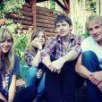 Melanie Griffith poste une photo de ses quatre enfants réunis.
