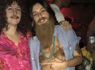 Scout Willis : Longue barbe et seins recouverts de poils, son Halloween déjanté
