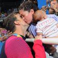 Nicole Johnson et Michael Phelps s'embrassent à Rio le 9 août 2016.