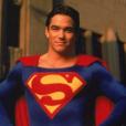 """Dean Caine dans """"Loïs et Clark : les nouvelles aventures de Superman"""", en 1993."""