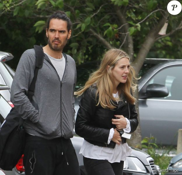 Exclusif - Russell Brand et sa fiancée Laura Gallacher, enceinte, à Londres, le 2 juin 2016.