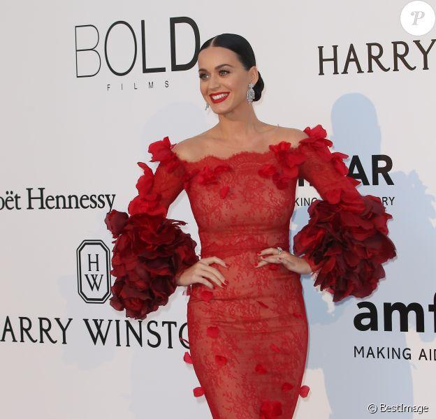 """Katy Perry à la soirée """"23th edition of AmfAR's Cinema Against AIDS"""" Gala à l'hôtel de l'Eden Roc au Cap d'Antibes, le 19 mai 2016, lors du 69 ème Festival International du Film de Cannes. © Dominique Jacovides/Bestimage"""