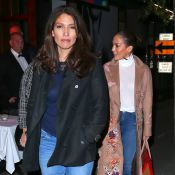 Jennifer Lopez, avec sa ravissante petite soeur Lynda : Sortie au restaurant...