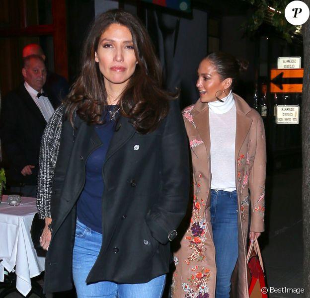 """Exclusif - Jennifer Lopez et sa soeur Lynda sont allées dîner au restaurant """"Nello"""" à New York City, New York, Etats-Unis, le 5 novembre 2016."""