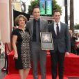 Judy Parsons, son fils Jim Parsons et Todd Spiewak - Jim Parsons laisse ses empreintes dans le ciment hollywoodien au TCL Chinese Theater à Hollywood, le 10 mars 2015