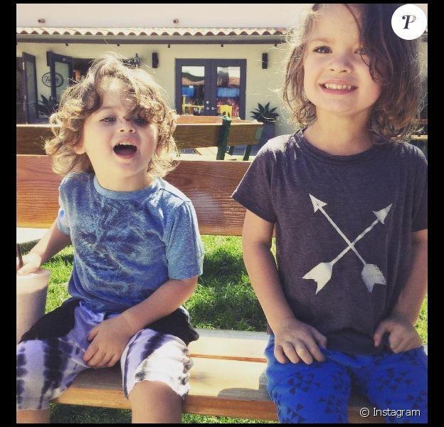Bodhi et Noah, les fils de Megan Fox et Brian Austin Green, sur une photo publiée le 16 novembre 2016 sur Instagram