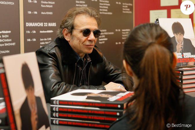 Philippe manoeuvre au salon du livre la porte de versailles paris le 22 mars 2015 - Salon du livre porte de versailles 2015 ...