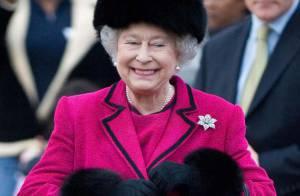 PHOTOS : La Reine d'Angleterre voit la vie en rose... fuchsia !