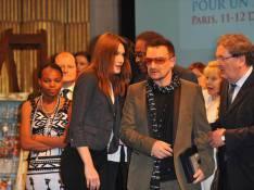 PHOTOS : Carla Bruni-Sarkozy si fière de Bono...
