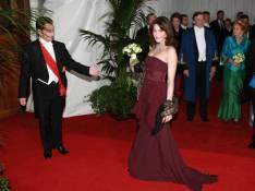 PHOTOS : Carla Bruni, elle a  quand même fait grimper les enchères avec sa robe...