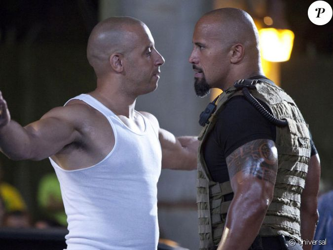 vin diesel et dwayne johnson les deux gros bras de la saga fast furious. Black Bedroom Furniture Sets. Home Design Ideas