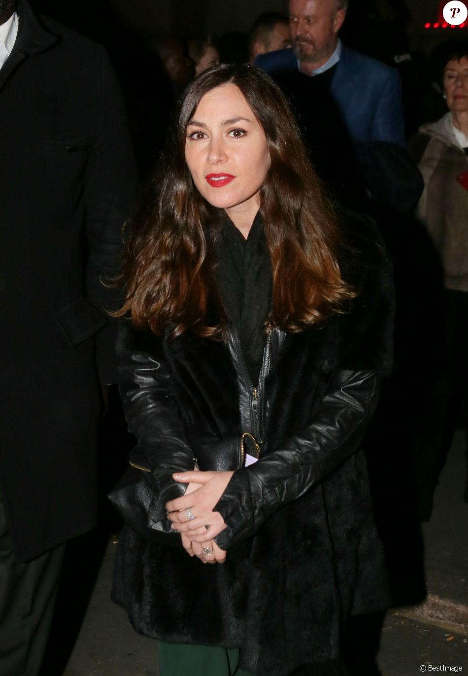 Olivia Ruiz à la sortie du défilé Haute Couture Giorgio Armani Privé Printemps-Eté 2016 à Paris le 26 janvier 2016. © CVS / Veeren / Bestimage