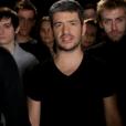 """Grégoire dans le clip de """"Encore un hiver"""", l'hymne des Enfoirés sorti en 2012."""