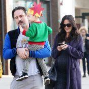 David Arquette : Un homme heureux avec son fils Charlie et son épouse, enceinte